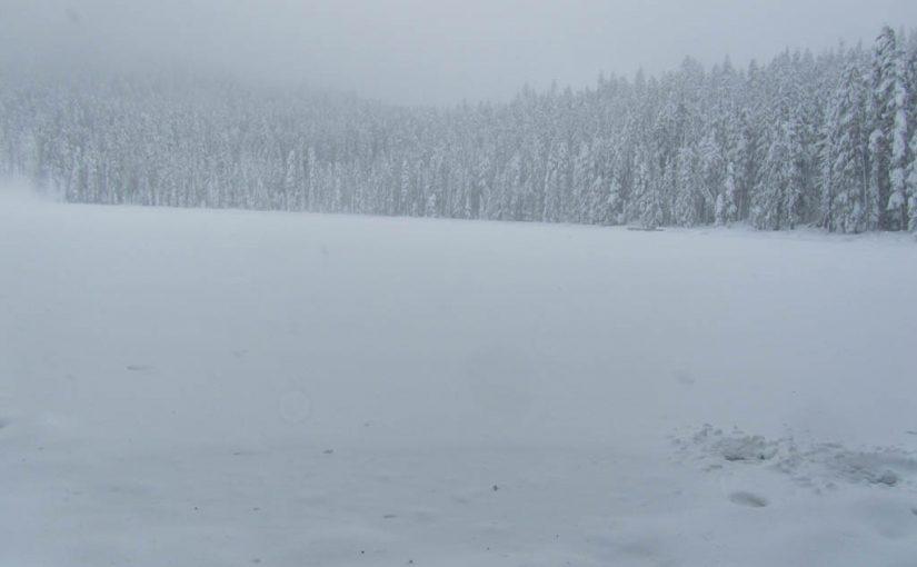 Lower Twin Lake Snowshoe